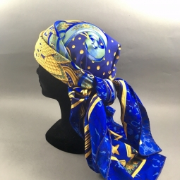 Magnifique foulard carpe diem