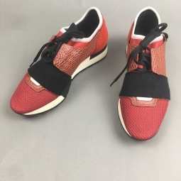 sneakers rouge et noir Balenciaga